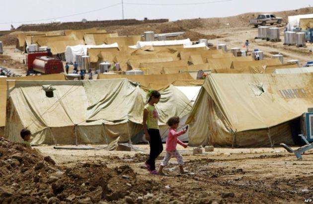إصابة أكثر من 30 لاجئا سوريا في مخيم بالعراق نتيجة عاصفة جوية